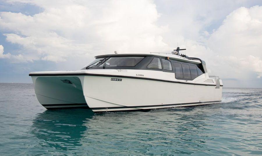 Malediven: Luxus-Katamaran von Jumeirah Vittaveli