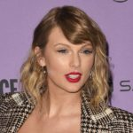 Outfit der Woche: Taylor Swift in Carmen March