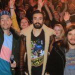Review: Bastille stürmte für Channel Aid die Elbphilharmonie