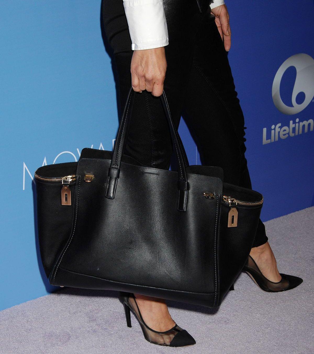 Exklusive Designerhandtaschen sind auch als pre-loved Objekte gefragt (ddp images).