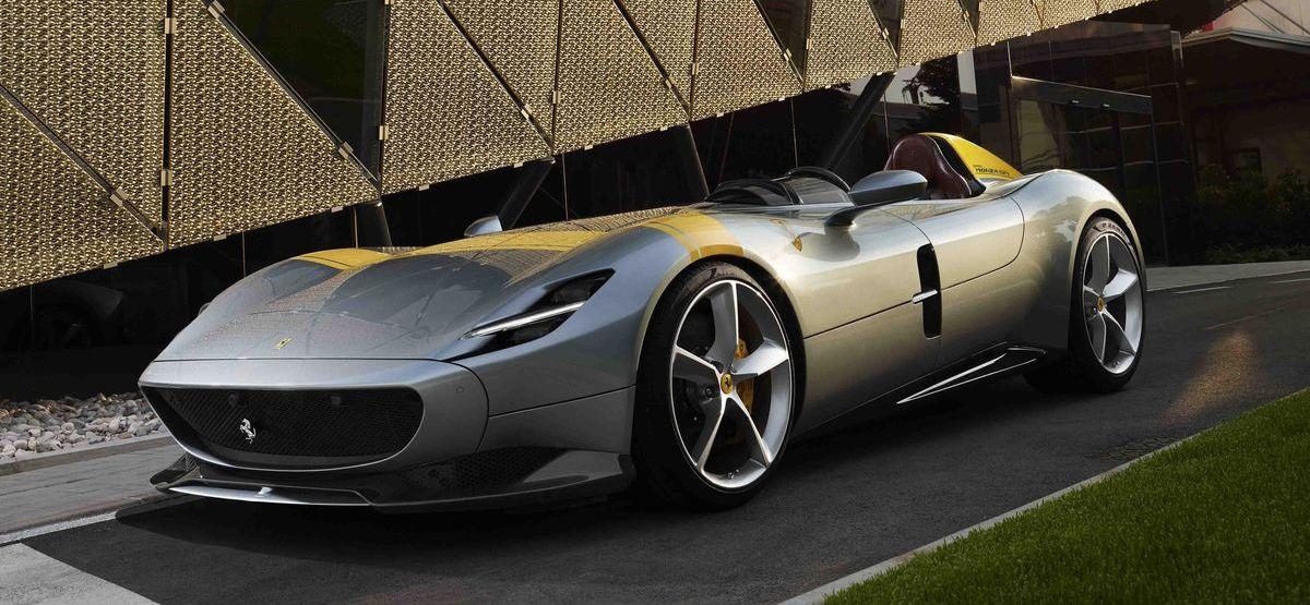 Automobile Luxus-Raritäten wie der Ferrari Monza SP1 stehen bei Momentum als Anlageobjekte im Fokus.