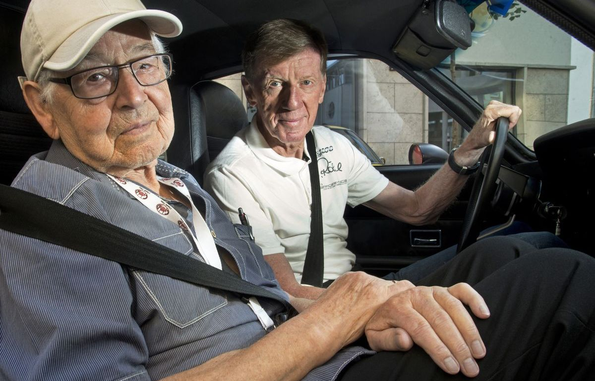 Erhard Schnell mit Rallye-Legende Walter Röhrl bei einer Oldtimerveranstaltung