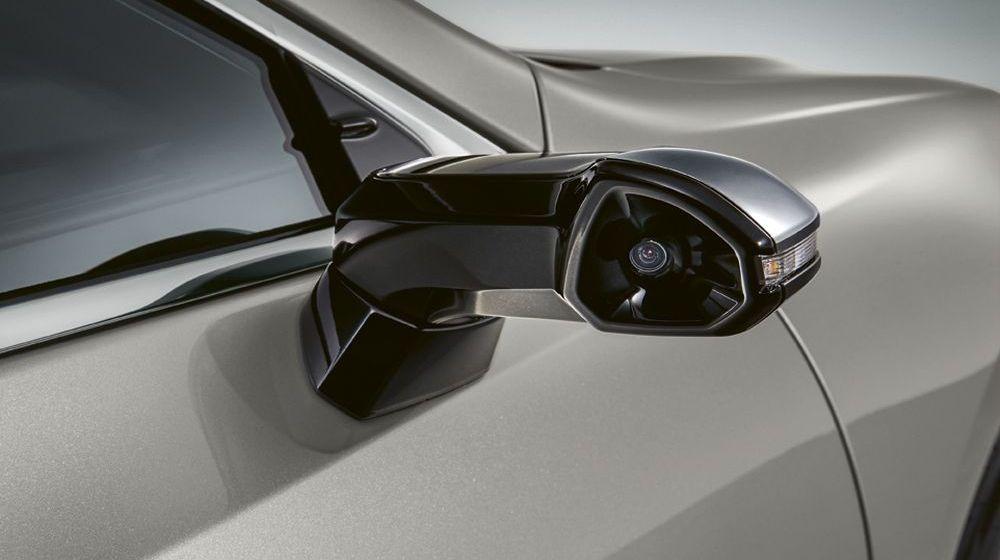 Digitale Außenspiegel beim Lexus ES 300h