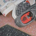 Jim Goldberg: Footwear als Leinwand für Kreativität