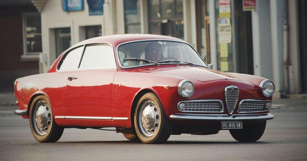 Alfa Romeo ist weltweit eine der wenigen Marken, die praktisch jeder Auto-Fan ins Herz geschlossen hat.