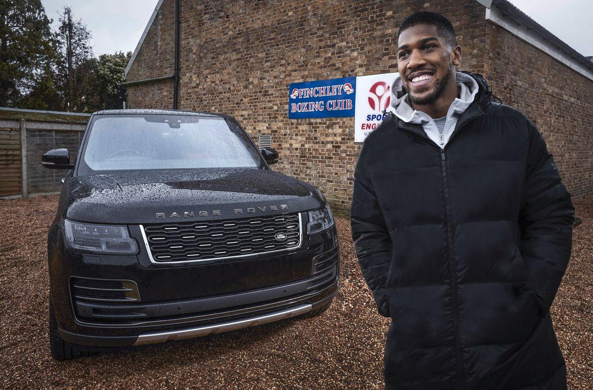 Boxchampion Anthony Joshua und sein exklusiver Range Rover SV Autobiography