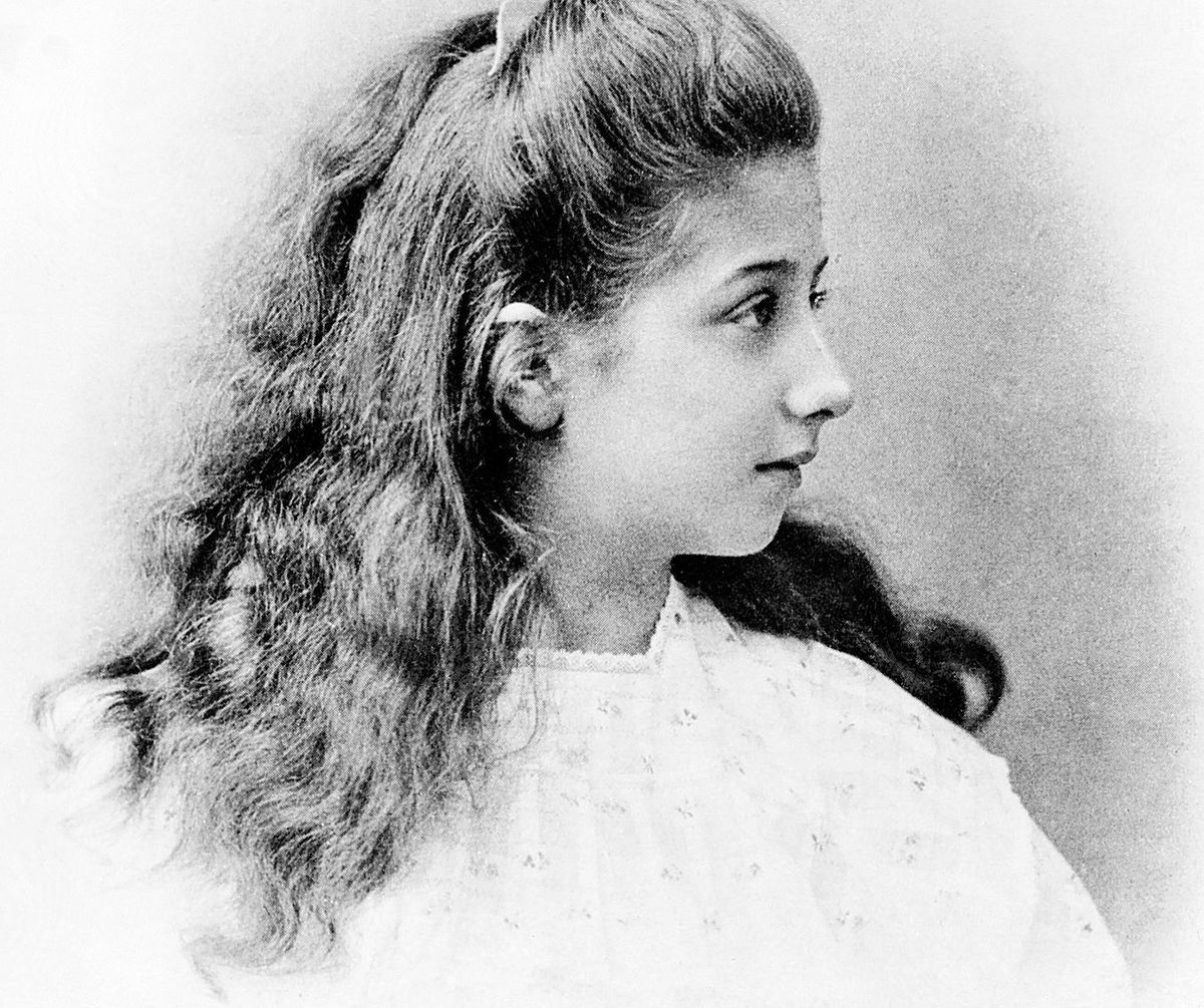 Mercedes Jellinek im Alter von elf Jahren