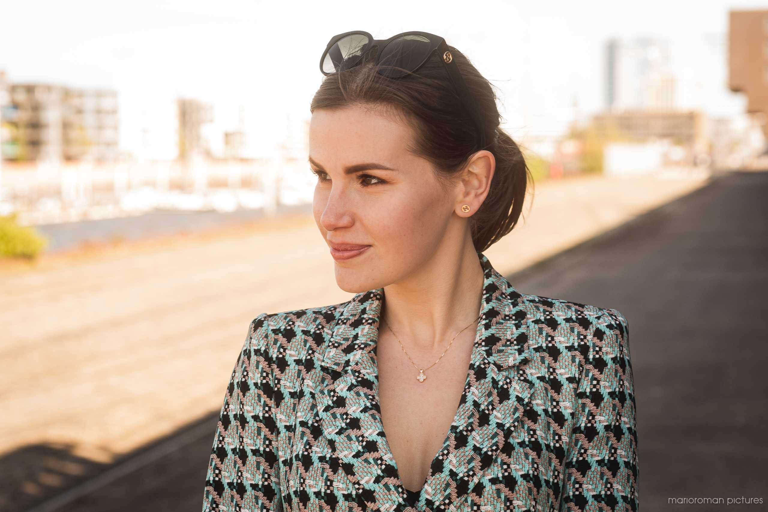 Natali Dujunov, Luxury Agent