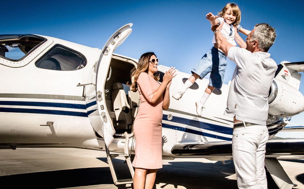 GlobeAir: Effizient und sicher mit der Familie fliegen.