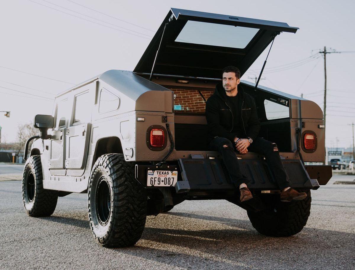 Viele Automobil-Enthuaisten haben einen Hummer in der Garage.