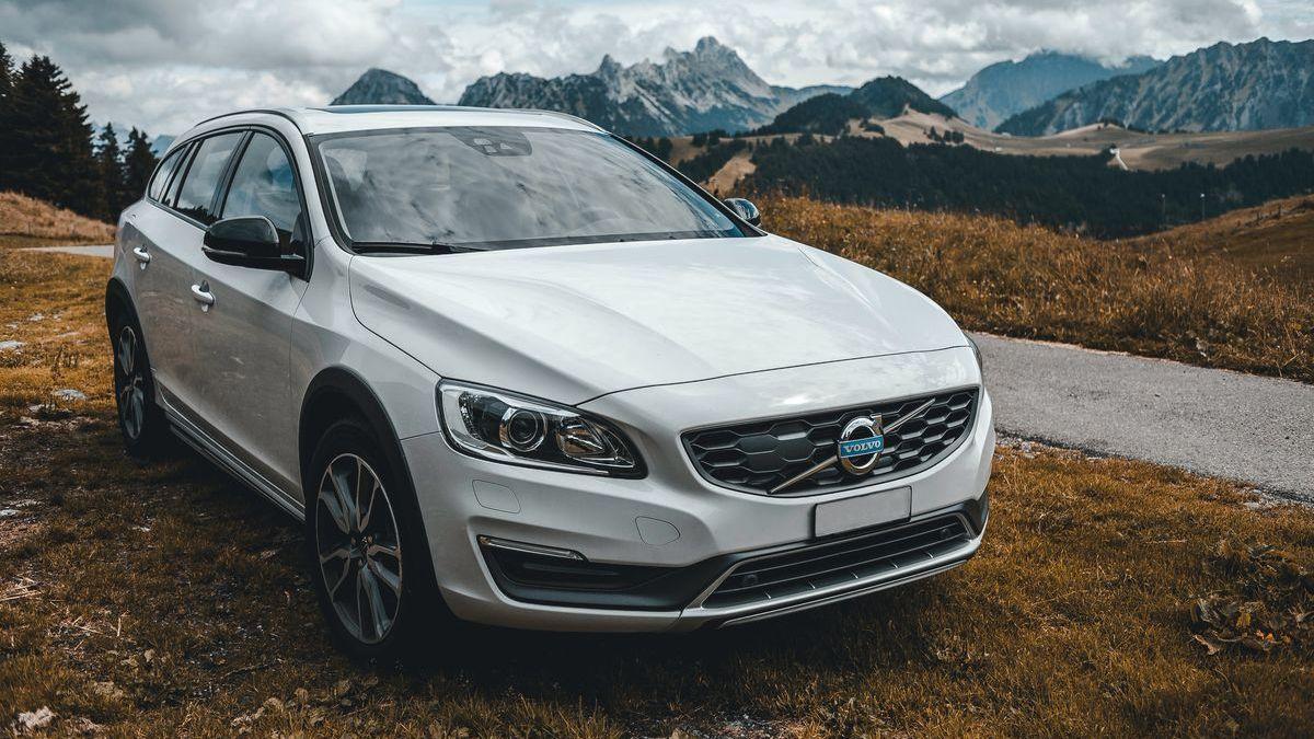 Neue Volvo-Modelle werden auf 180 km/h Höchstgeschwindigkeit begrenzt.