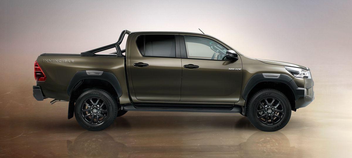 Toyota Hilux Invincible (2020)