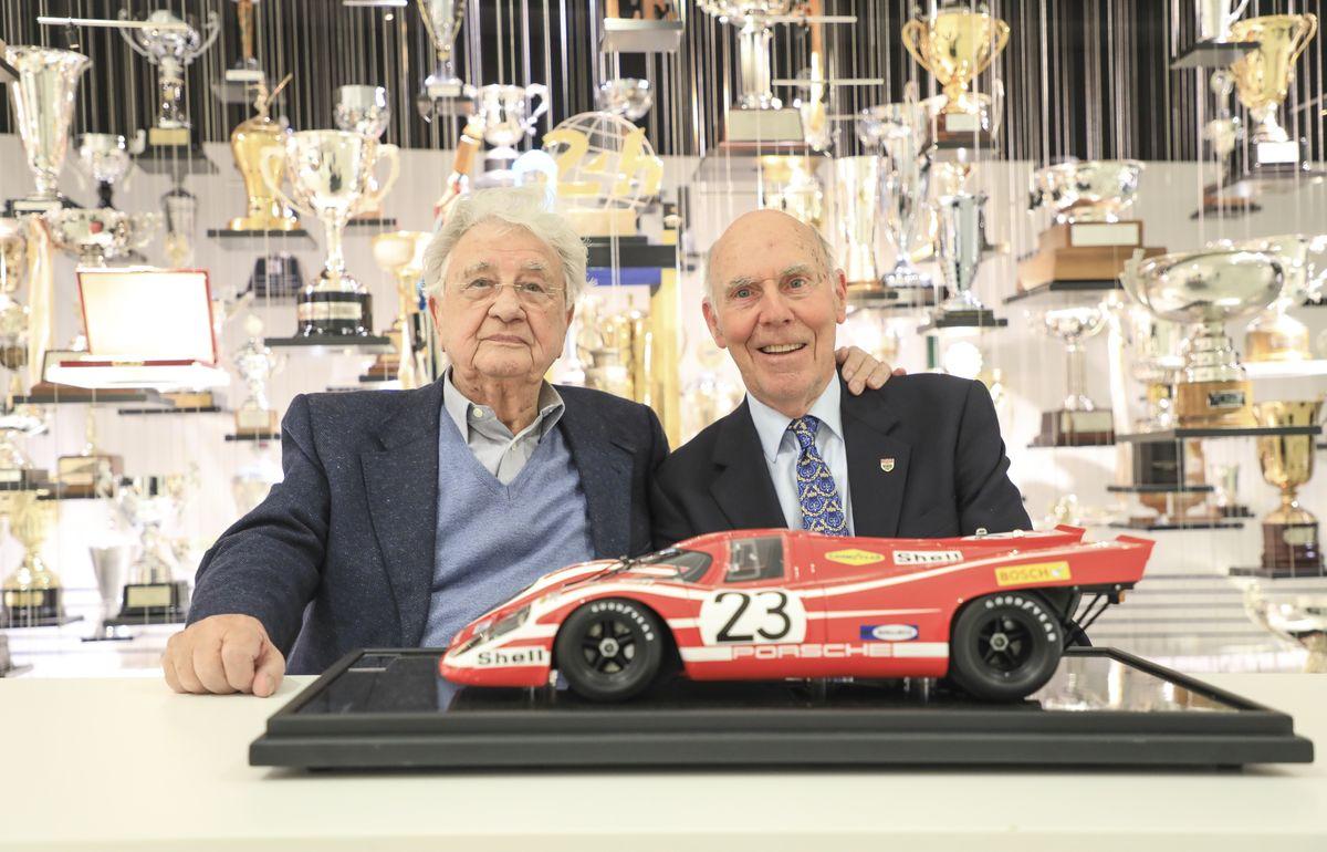 Le-Mans-Sieger von 1970: Hans Herrmann (links) und Richard Attwood im Jahr 2019.
