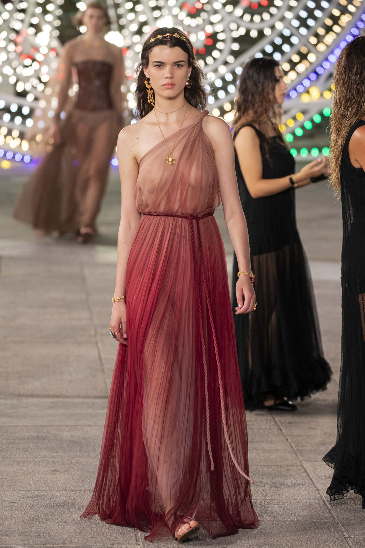 Dior Cruise 2021 Collection (ddp images)