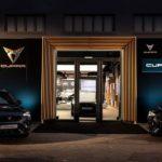 Cupra eröffnet Garage in Hamburg – und fährt Rennen im Amazonas