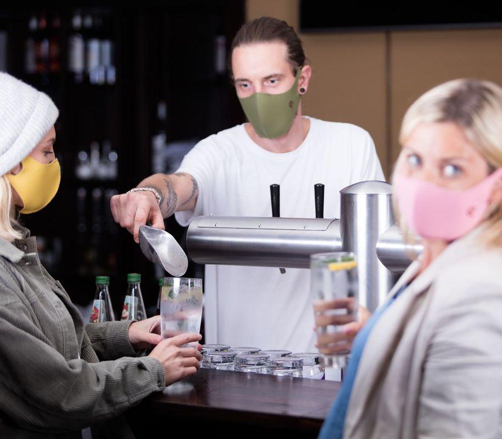 Eine stylishe Maske komplettiert jedes Outfit