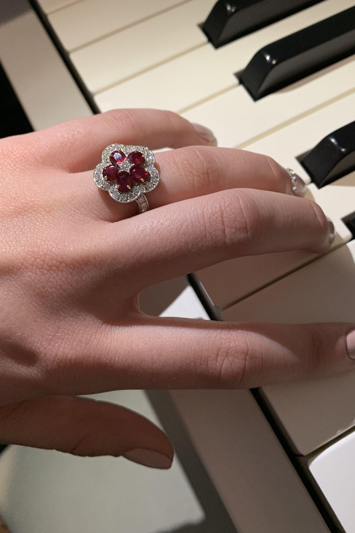 Knauf Jewels: Edelblume für den Ringfinger