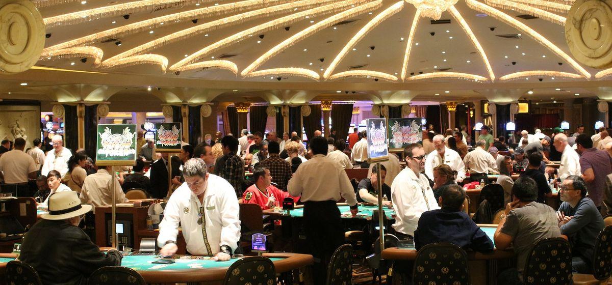 Croupiers und Kellner im Casino: Welche Zukunft erwartet diese Berufe?