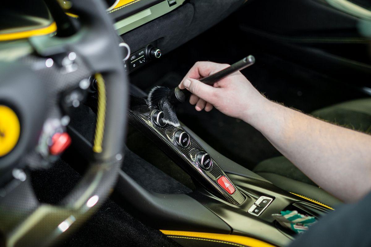 Fahrzeugaufbereitung bei David Finest Sports Cars