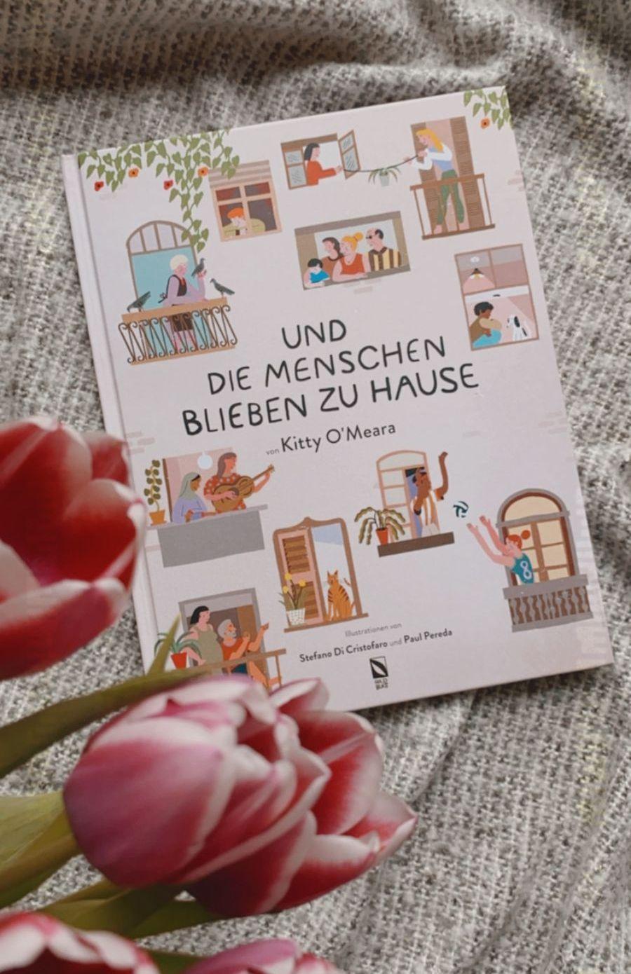 Kitty O'Meara   Und die Menschen blieben zu Hause Illustriert von Stefano Di Cristofaro und Paul Pereda 32 Seiten   17,95 Euro   ISBN 978-3-948676-03-2