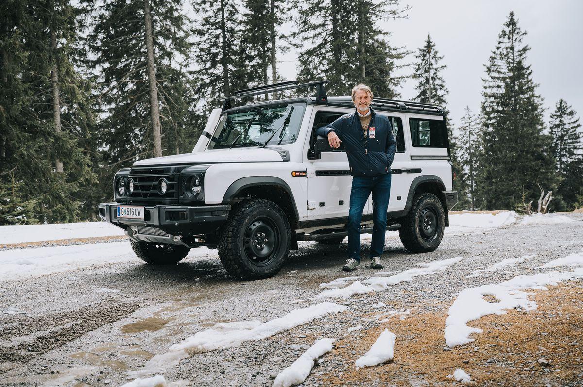 Erfolgreicher Härtetest in den Alpen: Jim Ratcliffe an einem Prototyp des Ineos Grenadier.