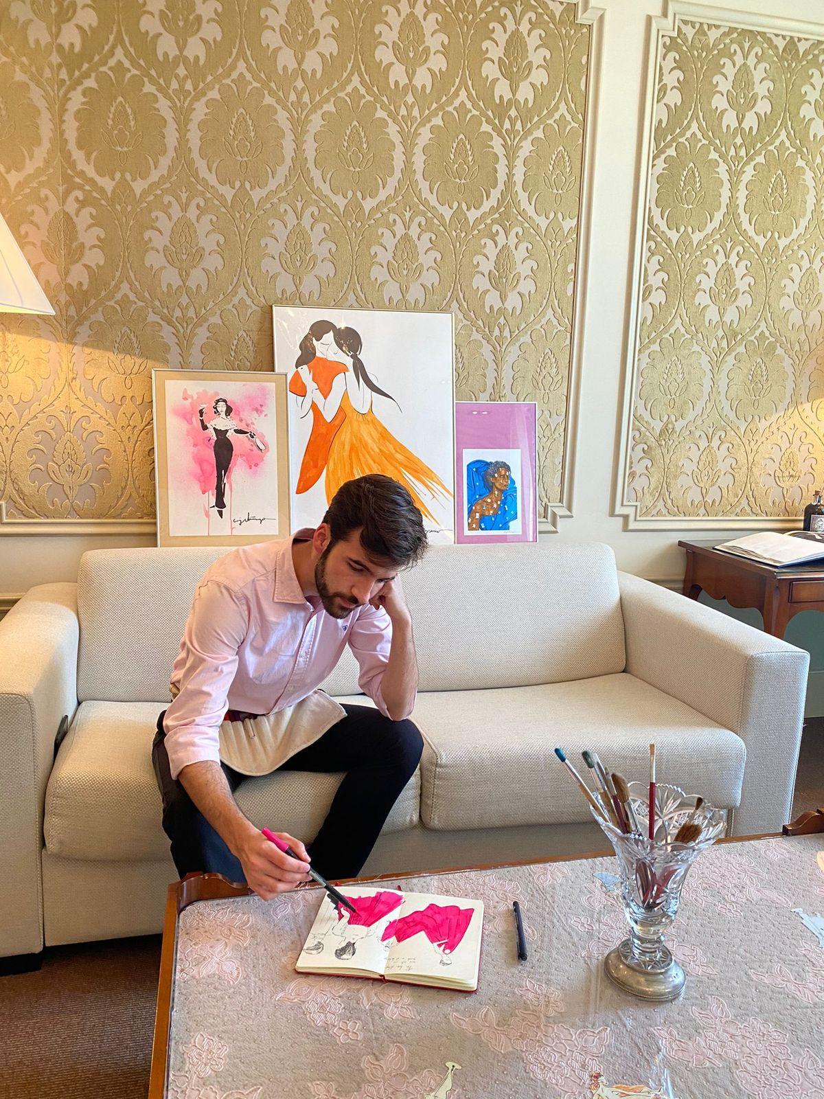 Künstler Joel Miñana hat sein Atelier im Luxushotel