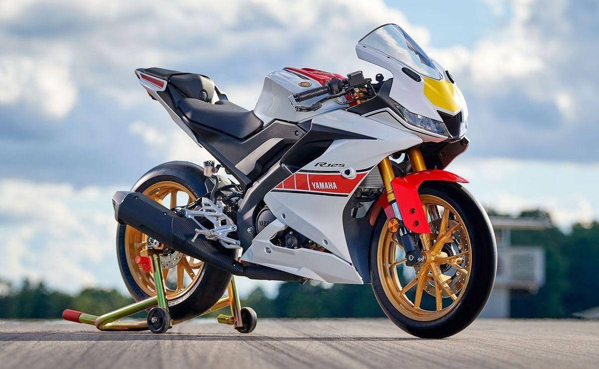 """Yamaha R125 """"World GP 60th Anniversary"""" (ohne Blinker und Kennzeichenträger der Serienversion)"""